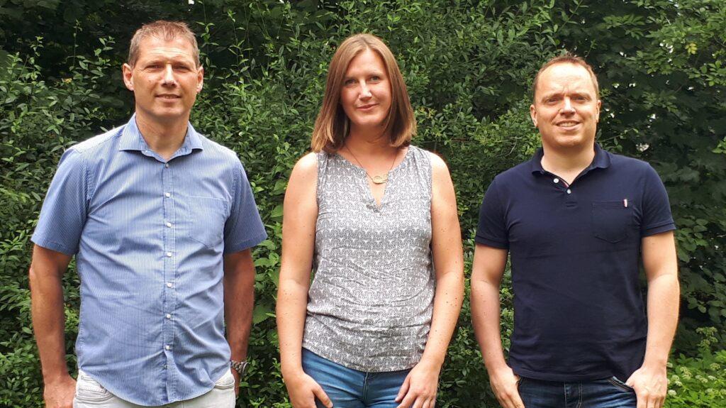 Ein Foto des Teams Sprungbrett - Es sind drei Personen abgebildet